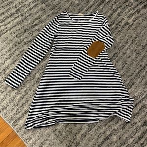 Dresses & Skirts - Navy & white striped dress with pockets